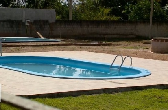 crianca_afogada_na_piscina