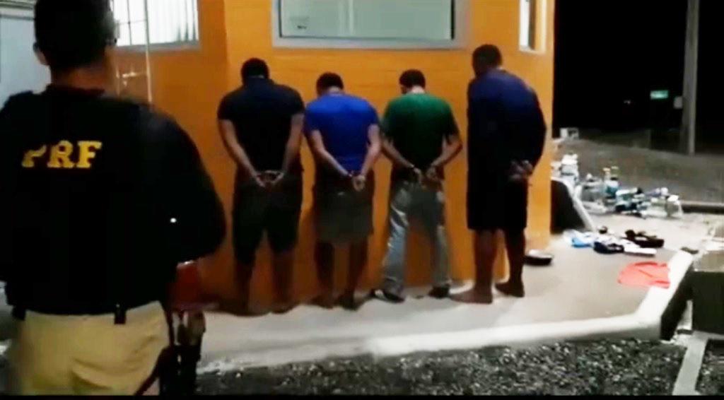 assaltantes_presos_na_br_101