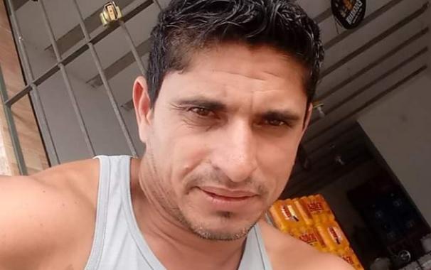 homem_imprensado_por_para-lamas