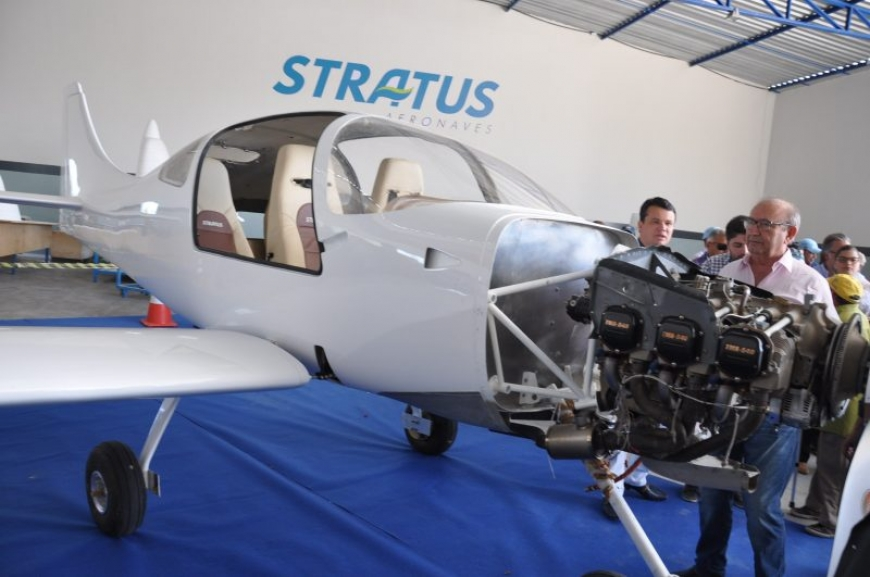 stratus_aeronaves