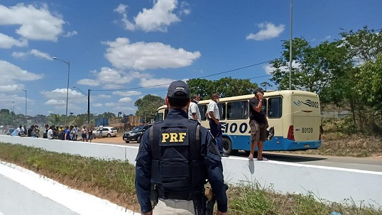 br-408_protesto_manifestaca0