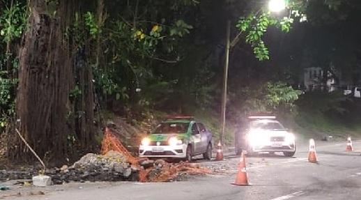 acidente-buraco_da_compesa