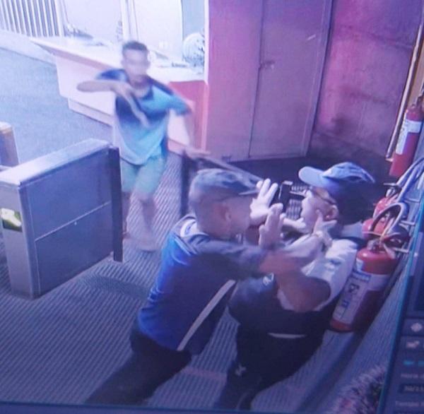 metro_vigilante-assaltado