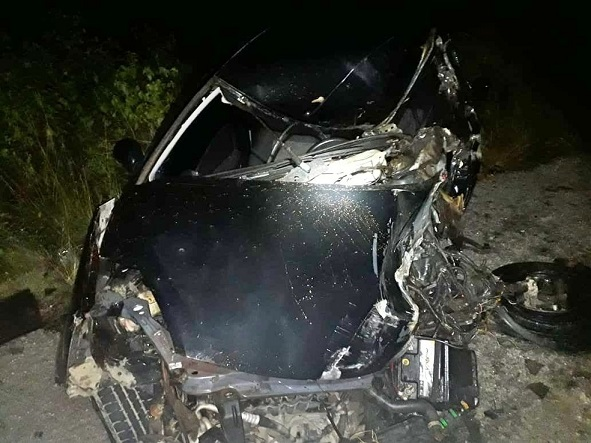 acidente_carro_caminhao-br_br-423