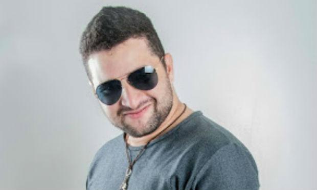 vocalista_banda_aquario