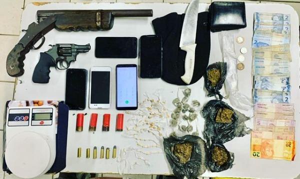 santa_teresinha-apreensao_de_drogas_e_armas