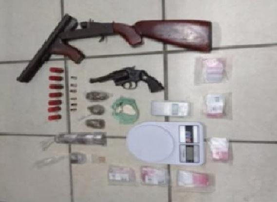 troca_de_tiros_com_a_pm-armas_apreendidas_em_quimadas