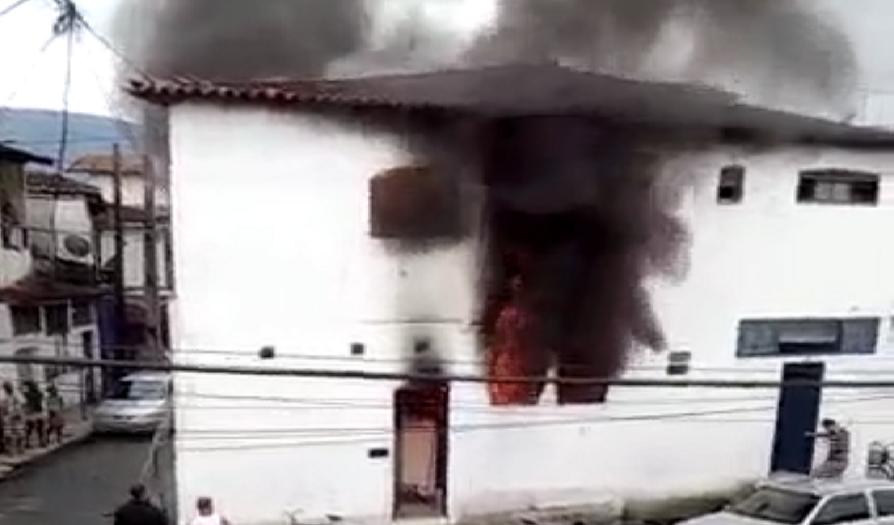 rio_de_janeiro-paraty_incendio