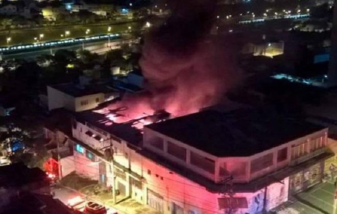 sao_paulo-incendio_escolas_de_sambas
