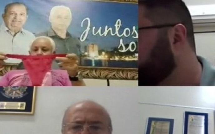 vereador_cheirando_calcinha