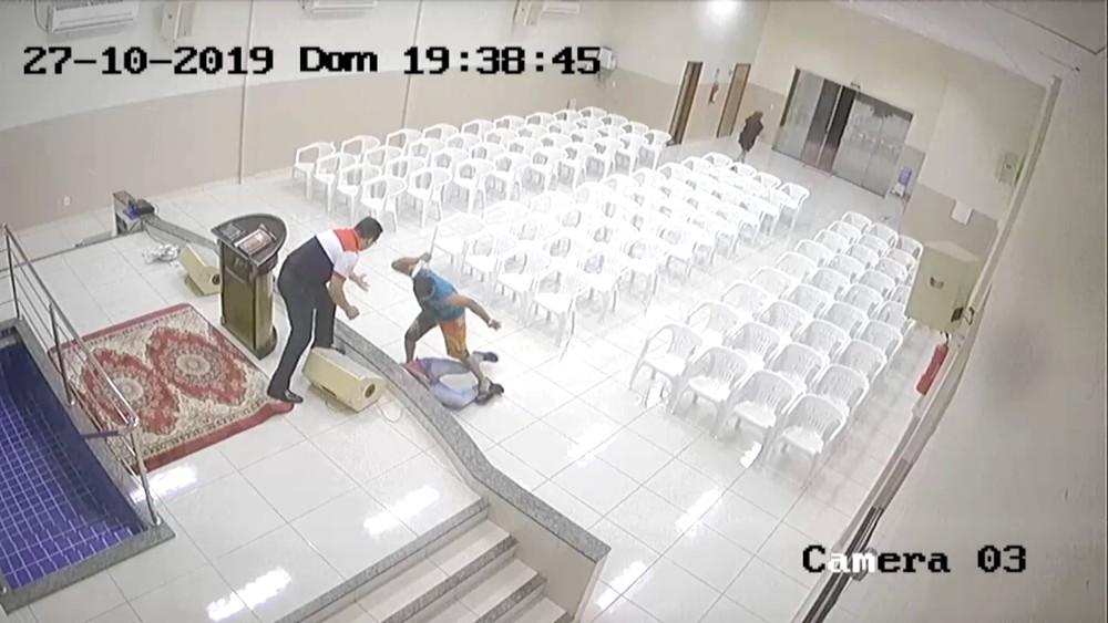 tocantins-adolescente_morto_dentro_de_igreja
